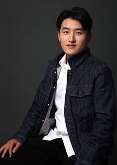 杨阳阳 行政主管